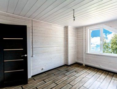 покраска деревянных стен внутри дома